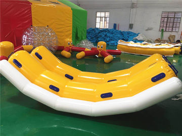 Komersial 4 Orang Inflatable Water Toys / Inflatable Banana Boat Towable Tube Untuk Ski Di Air pemasok