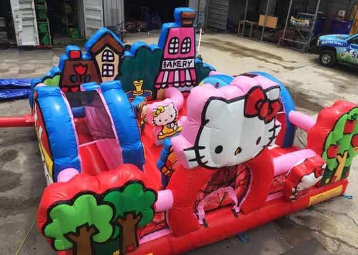 Cina Hello Kitty Balita Inflatable Playground Dengan Slide, Komersial Dewasa Bouncy Castle pabrik