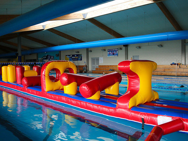 54 FT Long Giant Water Inflatable Rintangan dengan Slide Durable 0.9mm PVC