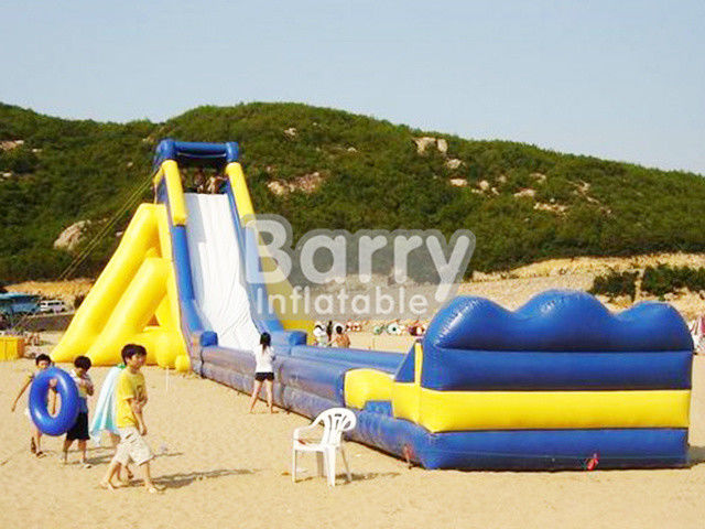 Slide Inflatable Komersial Kuning / Biru Raksasa / Slide Inflatable Dewasa