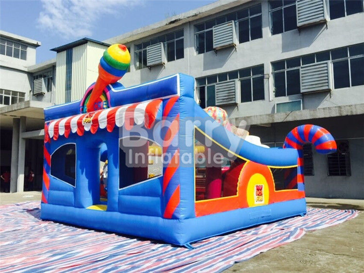 6 * 5.7 * 4.3 m Inflatable Bouncy Castle Children Amusement Dengan Elemen Sport