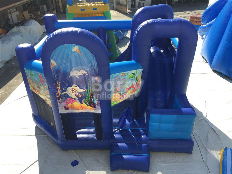 Cina Disesuaikan Inflatable Bouncer / Inflatable Bouncy Castle Dengan Slide pabrik