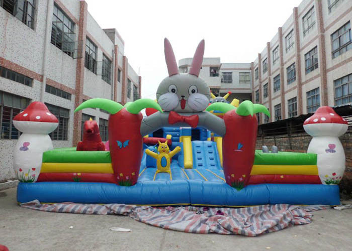 Cina Waterproof Giant Inflatable Commercial Bouncy Castle Dengan Jumping Bouncer pabrik