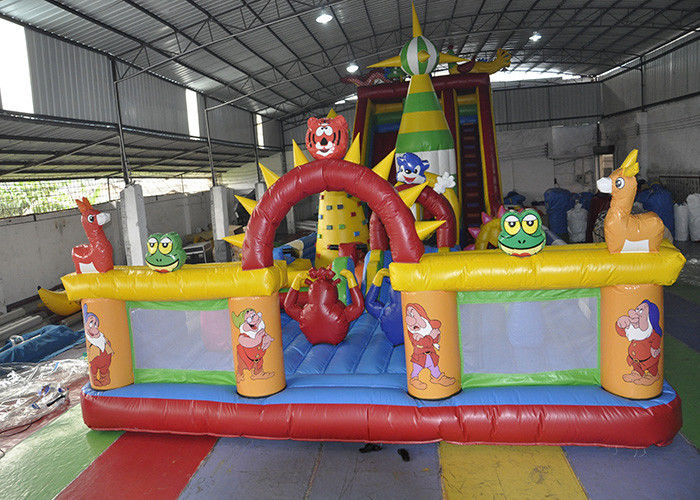 Cina Durable Inflatable Bouncy Jumping Castle / Bouncy Castle Combo Park pabrik